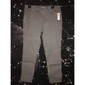 Old Navy Pixie Ankle Pants Size 10